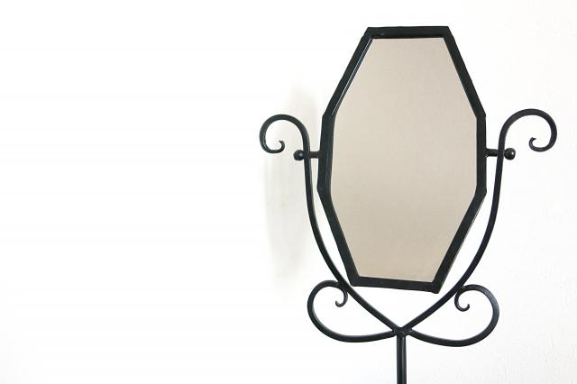 玄関に鏡。その置き方は正しい?